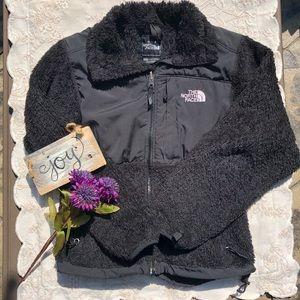 🎈NEW LISTING! The North Face Furry Fleece Jacket